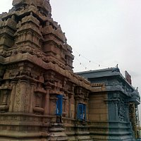 Malai Mandir, New Delhi: Close-up of the temple of the Lord.