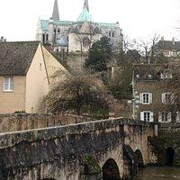 ウール川と向こうに大聖堂