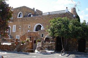 Cretan open-air museum 'LYCHNOSTATIS'