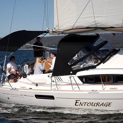 Entourage is a new Jeanneau 42DS with performance rig and essential comforts.