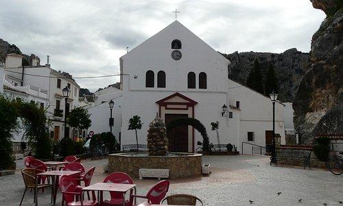 The small plaza......