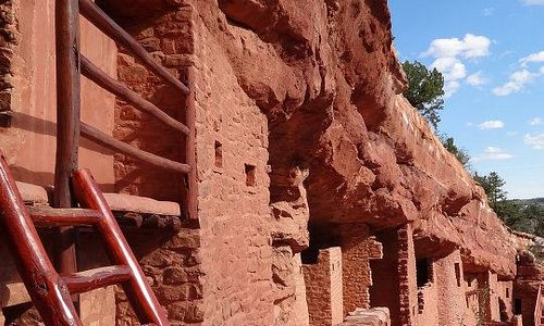 A look at the cliff dwellings from the balcony structure