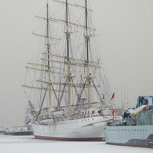 Dar Pomorza on the Frozen Sea