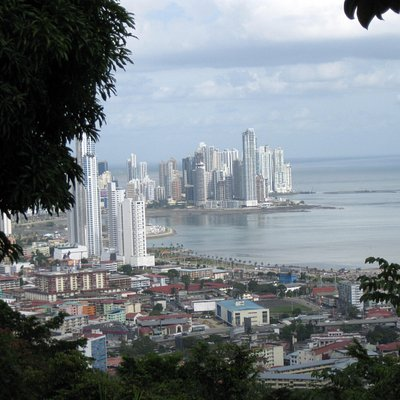 vista de la ciudad desde el Cerro Ancón