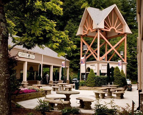 Tanger Outlet Blowing Rock