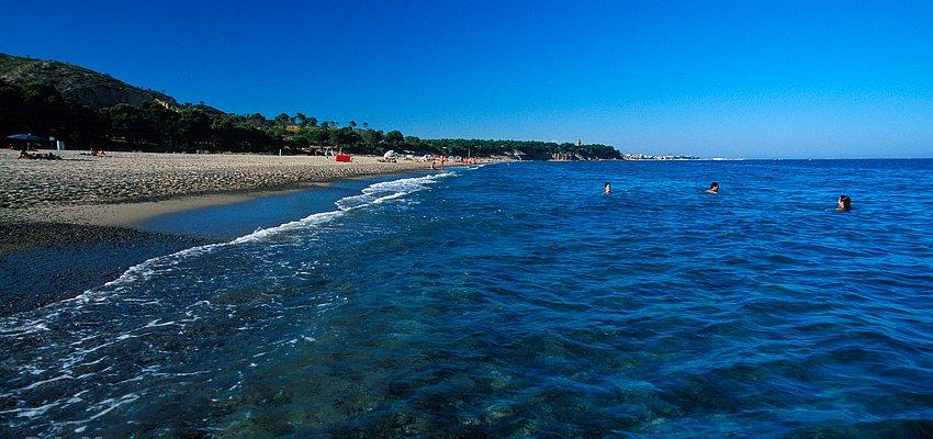 Playa naturista Torn