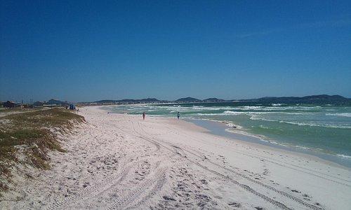 Praia do Foguete, logo depois a Praia da Dunas e ao final a Praia do Forte