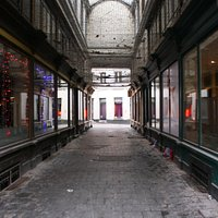 Glass Alley, Side Vlaanderenstraat