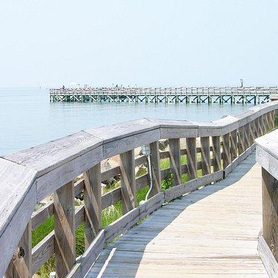 Free fishing pier