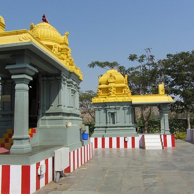 Temples outside main complex