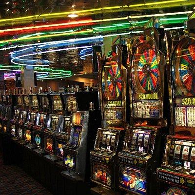 Over 325 Slot Machines!