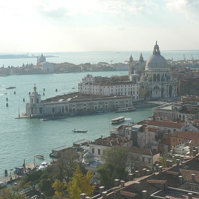 Venice Guide and Boat offers tours, transfers and all tourist services in Venice