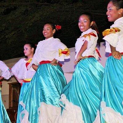 Aruban dancers