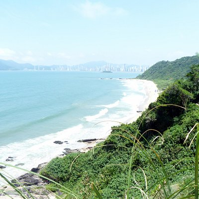 Praia Do Buraco vista desde el Morro Careca...