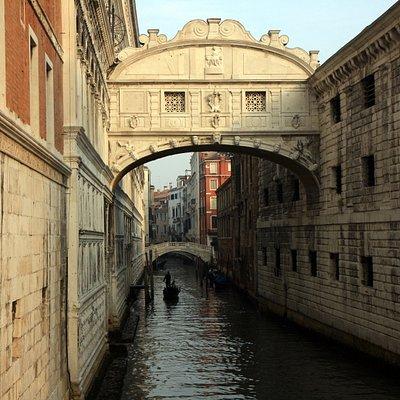 Bridge of Sighs from Ponte della Paglia(2)