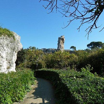 Spazierweg in dem Felsengarten