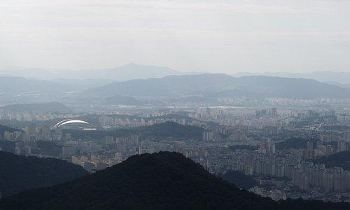 View of Gwangju from Jeungsimsa side of Mudeungsan