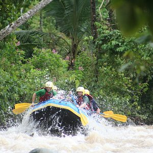 rafting in tropical paradise