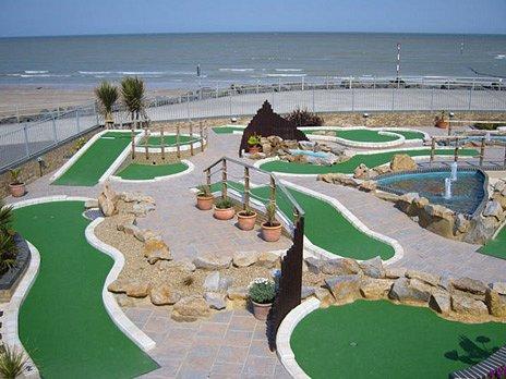 18 Hole Strokes Golf