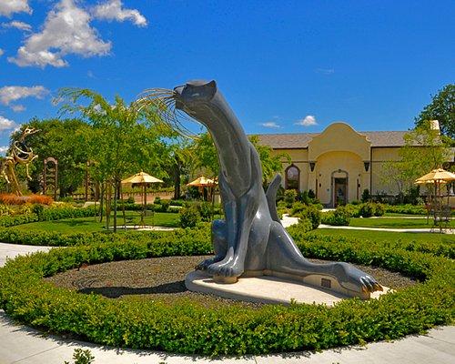 Enjoy our world class sculpture garden with magnificent granite and bronze sculptures.