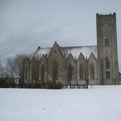 Going to church on a wintry sunday morning at 10a