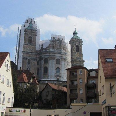 Basilika Weingarten thront auf dem Kirchberg