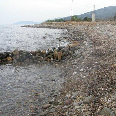 Improvised sea-spring on the beach after Eftalou