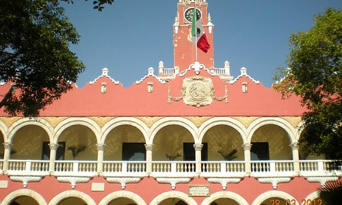 This is the City Hall building where tourist information center is located