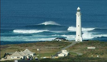 Cape Leeuwin Lighthouse precinct features 3 former lighthouse keeper cottages, interpretive disp