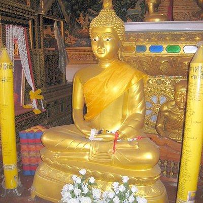My favourite Buddha statue, having a 'Eureka' moment