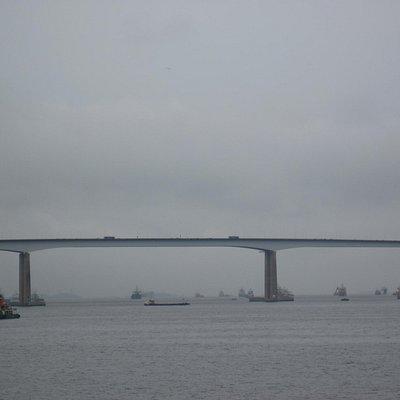 Rio Niteroi Brücke - höchte Stelle 72 m über Null