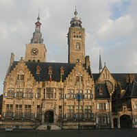 Diksmuide City Hall and Belfry