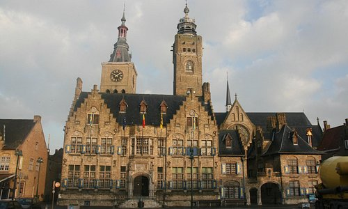 Diksmuide City Hall and Belfry