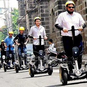 White Knight E-Chariot Tours Manila
