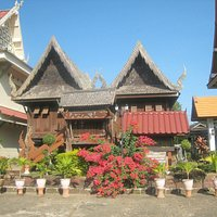 Loved this 16th Century Lanna style wooden building, the Khum Phra Law