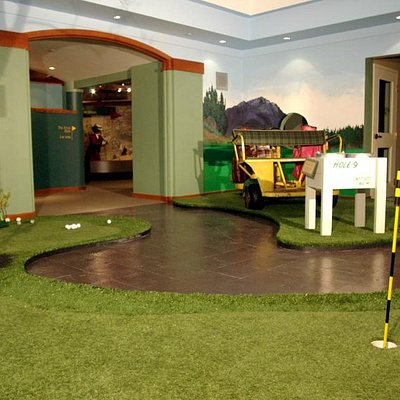 putting green at the Canadian Golf Hall of Fame