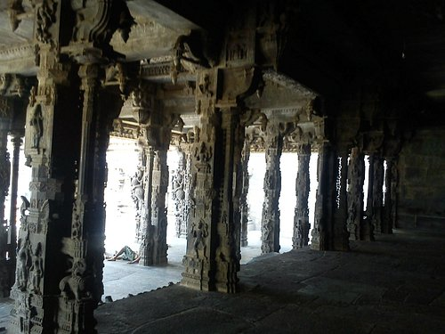 A glimpse of the fort temple carvings