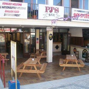 pj's bar and restaurant