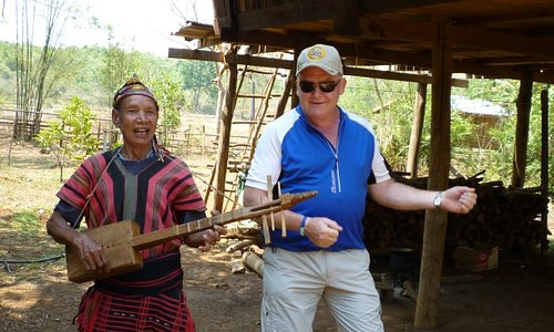 Dancing with the locals, Bolaven Plateau