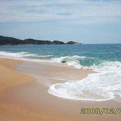 cuidado olas fuertes