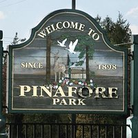 Pinafore Park Sign