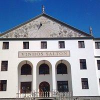 O palácio que esconde a fabrica de vinhos