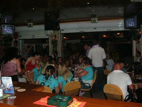 marias karaoke bar