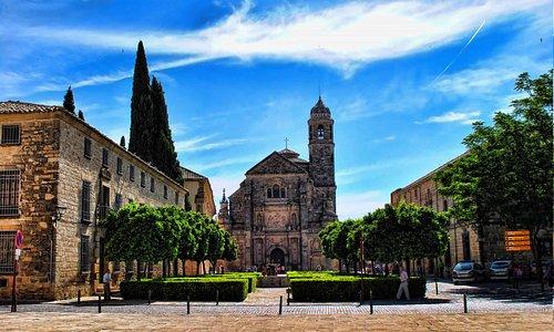 Una plaza con sabor histórico