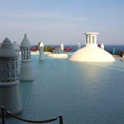 SPA versteckt unter Pool - Hamamkuppel