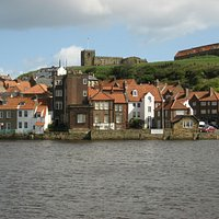 Captain Cook Museum (white building in centre), Whitby