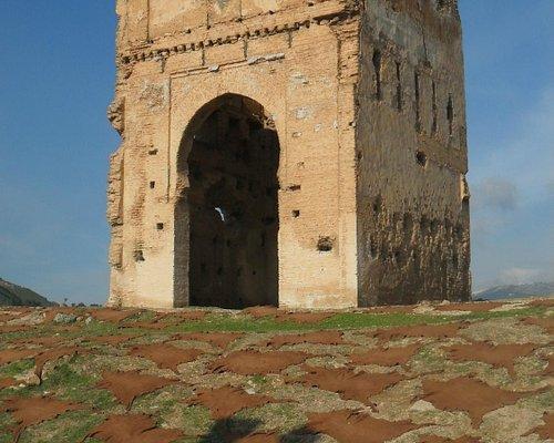 resti delle antiche tombe