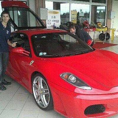 una delle Ferrari