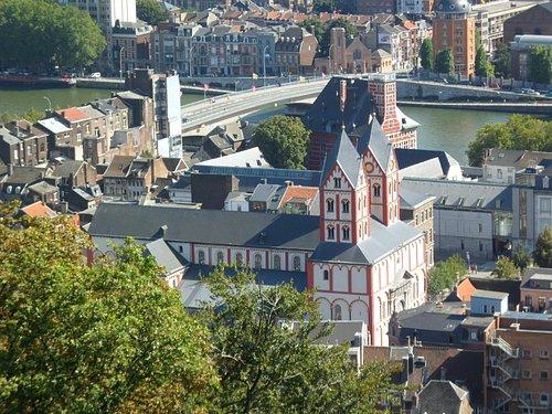 Eglise St-Barthélémy depuis les côteaux