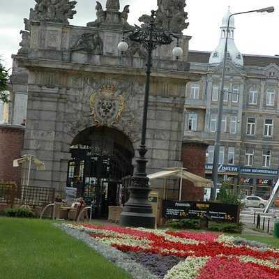 The royal Gate with it's north entrance to Brama Jazz Cafe